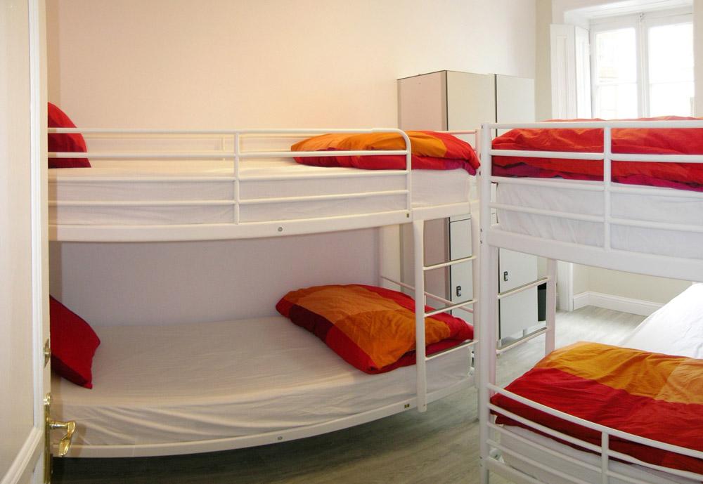 Pack despedida soltero en potes for Habitaciones con literas